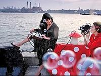Marie Losier vit à Brooklyn, dans le quartier de Greenpoint, où habitent de nombreux artistes.