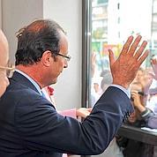 Éducation: Hollande critiqué sur deux fronts
