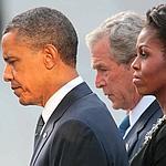 Barack Obama, son épouse et G. W. Bush ce dimanche à New York.