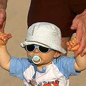 La testostérone chute chez les jeunes pères