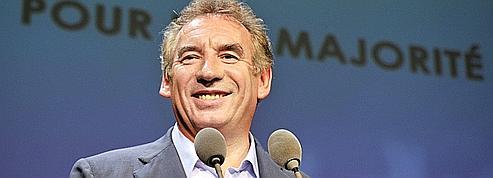 Bayrou dit avoir été approché par des porteurs de valises