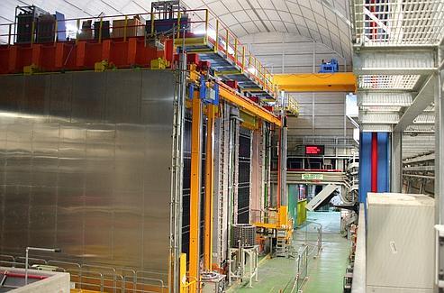 Situé en Italie, il a permis de mesurer que les neutrinos émis par le Cern, à 731 km de distance en Suisse, se déplacent à une vitesse supérieure à celle de la lumière. Crédits photo:CNRS Photothèque/IPNL/ILLE, Bernard.
