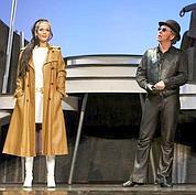 Shakespeare en chapeau melon et bottes de cuir
