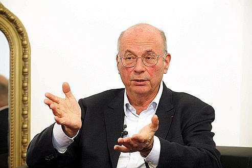 Le neuro-psychiatre Boris Cyrulnik invite à une véritable réflexion sur l'encadrement des enfants.