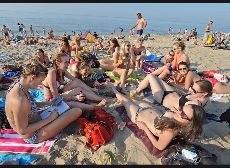 Cet épisode de grande douceur automnale touche aussi nos voisins allemands et néerlandais (ci-dessus). Les pays plus au Nord ne bénéficient pas de cet été indien.