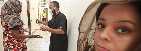 À Tripoli, les khadafistes rasent les murs