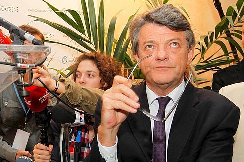 La cellule politique de l'Élysée n'a pas ménagé sa peine pour décourager Jean-Louis Borloo de se lancer dans «l'aventure».