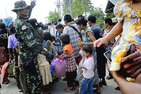 Birmanie - un zest d'ouverture de facade 364b80c6-ee75-11e0-9d8a-65087f2eee61