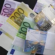 L'euro devrait encore baisser face au dollar
