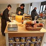 Chez Simone & Nicolas, une cantine-épicerie spécialiée dans les produits du sud de l'Italie.