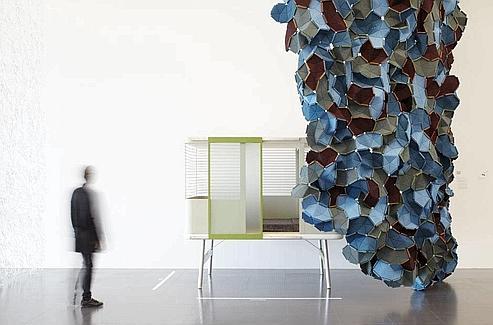 Exposition Ronan & Erwan Bouroullec, Bivouac. (©Centre Pompidou-Metz)