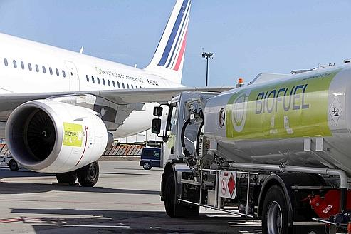 Premier vol commercial utilisant du biocarburant pour Air France