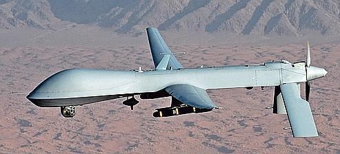 Un MQ-1 Predator de l'armée américaine. Ces drones ultrasophistiqués et contrôlés depuis Creech, au Nevada, ou Langley, en Virginie, servent à monter des opérations d'espionnage ou d'élimination et à frapper à distance en Afghanistan, au Pakistan, en Somalie ou au Yémen.