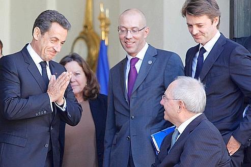 Nicolas Sarkozy et Wolfgang Schäuble, ministre allemand des Finances, hier à l'issue d'un déjeuner de travail à l'Élysée.