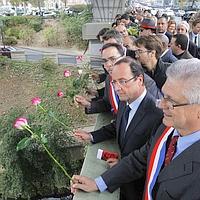 François Hollande s'est rendu sur le pont de Clichy, d'où des manifestants avaient été jetés à la Seine.