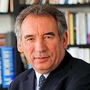 Bayrou rêve d'être le visage du changement