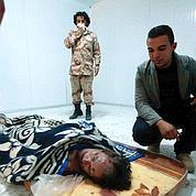 Kadhafi est mort par balles, selon le légiste