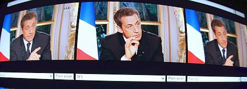 Sarkozy : «pédagogue» selon l'UMP, «bonimenteur» pour le PS