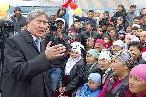 Kirghizstan: le va-tout de la présidentielle
