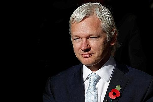 Julian Assange, ce mercredi, à la sortie du tribunal.