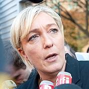 Marine Le Pen voyage en solitaire