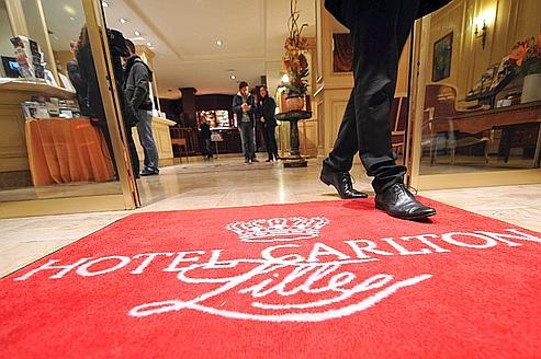 L'entrée de l'hôtel Carlton de Lille. La Fondation Scelles entend montrer que les affaires de proxénétisme dit «hôtelier» renvoient à des réseaux d'exploitation très lucratifs.