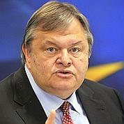 Des ministres grecs opposés au référendum