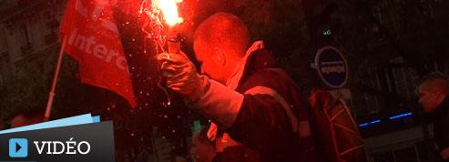 Des milliers de pompiers crient leur colère à Paris