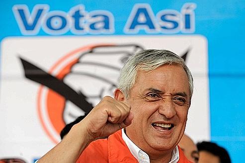 Le Guatemala désigne un président à poigne