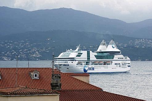 Desserte de la Corse : la justice annule le contrat
