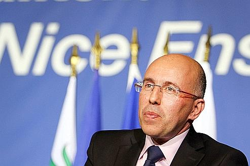 Les députés UMP reprennent espoir pour 2012