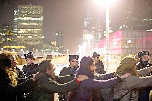 http://www.lefigaro.fr/medias/2011/11/16/ee0c232c-1022-11e1-ad21-110a06cfeeb6.jpg