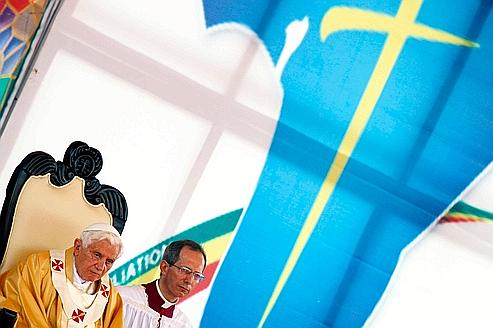 Benoît XVI en mission africaine