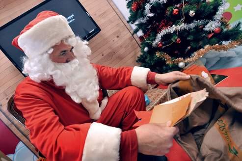 La boîte aux lettres du Père Noël est déjà bien remplie
