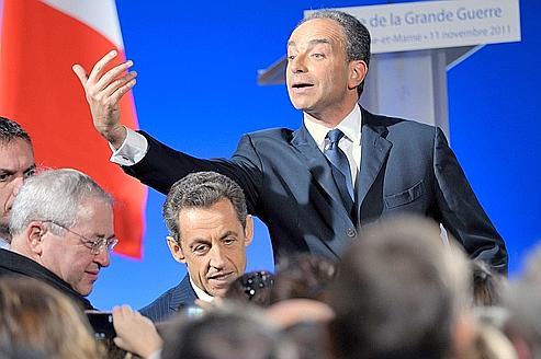 Jean-François Copé et Nicolas Sarkozy, avec le président (PS) de la région Île-de-France Jean-Paul Huchon, lors des cérémonies du 11 Novembre à Meaux.