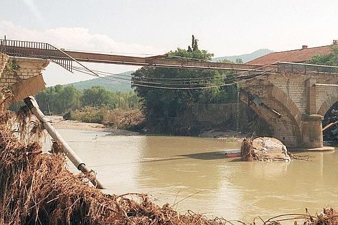 1992, dans les décombres de Vaison la martyre