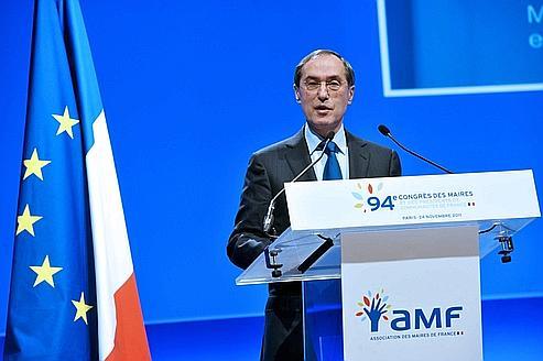 Claude Guéant défend l'intercommunalité