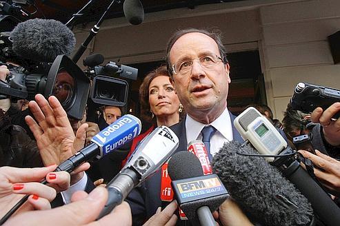 Hollande poussé à alléger son contrat de génération