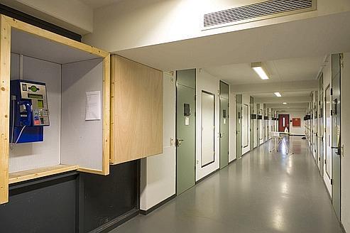 La prison de Scheveningen est conforme aux normes de droit international les plus rigoureuses.