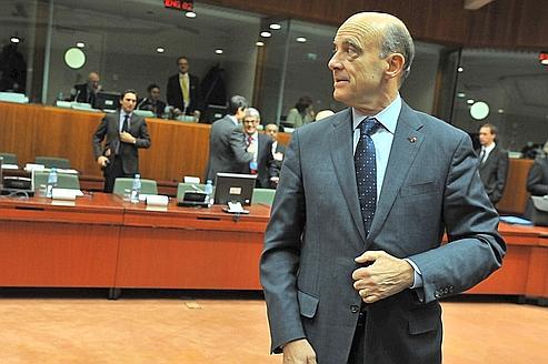 Jeudi à Bruxelles, Alain Juppé assuré que l'Europe travaillait à «des sanctions plus dures et sans précédent».