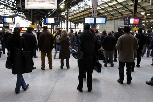 La FGAAC-CFDT a lancé un préavis de grève national pour les conducteurs de la SNCF couvrant tous les week-ends du mois de décembre, à compter du 9, du vendredi midi au lundi huit heures.