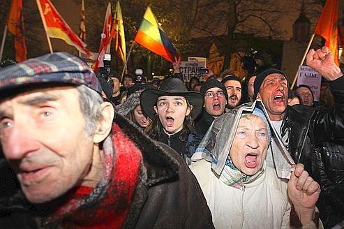 Le «bourrage» des urnes sauve la face de Russie unie