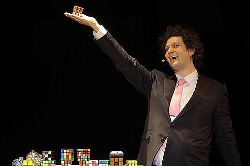 Éric Antoine, roi de l'illusion comique