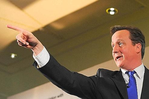 Les eurosceptiques mettent la pression sur David Cameron
