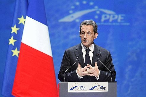 Sarkozy sonne l'alarme pour sauver l'euro
