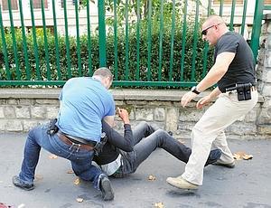 Un voleur venait d'arracher le collier en or d'une passante qui rentrait chez elle à Aubervilliers. (Jean-Pierre Rey)