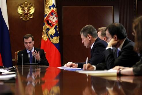 Medvedev marginalisé par la contestation