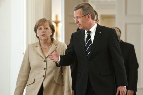 Merkel vole au secours du président Wulff