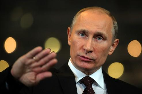 Poutine dévisse, l'opposition mobilise