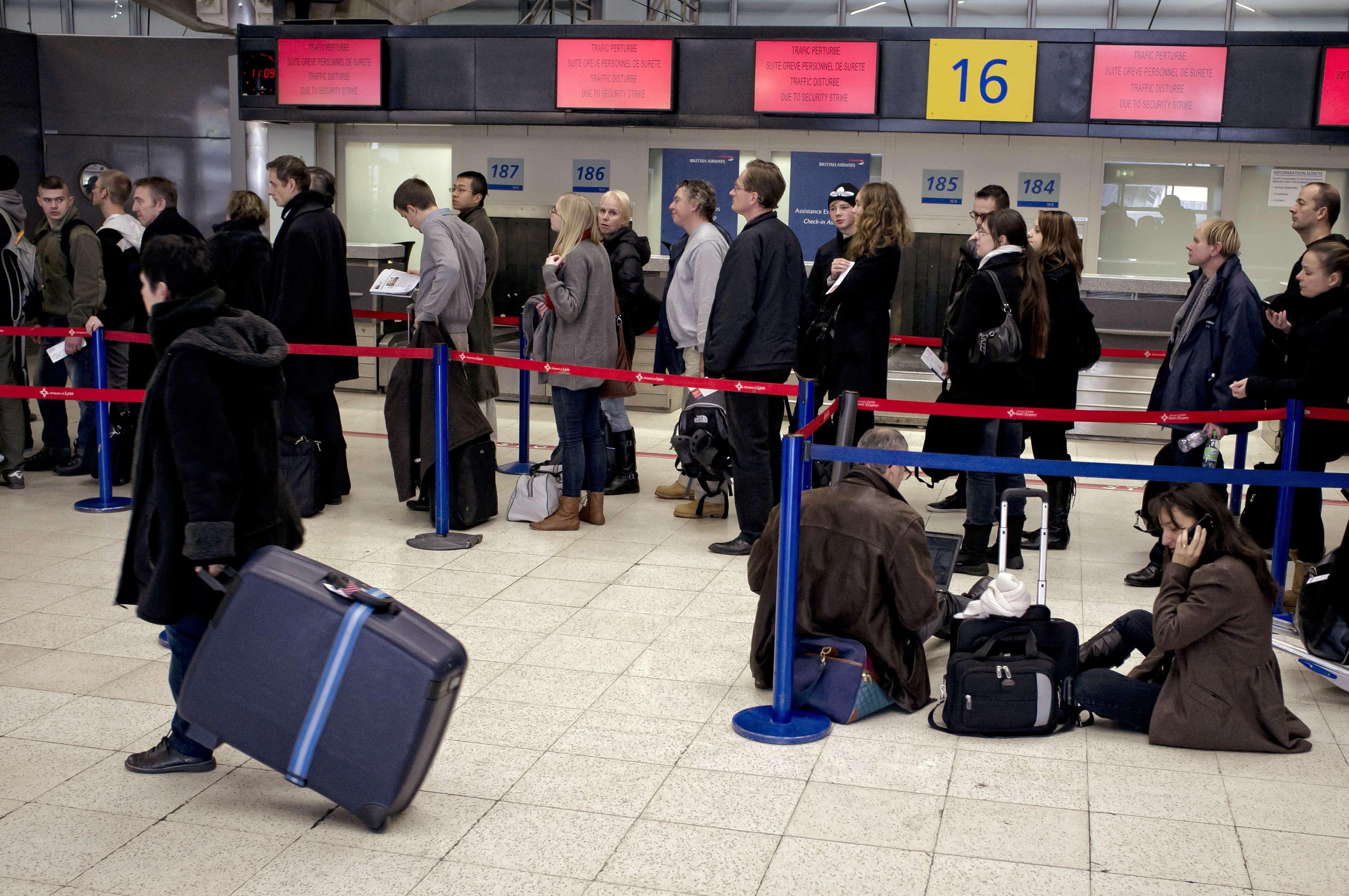 D'autres aéroports touchés par la grève